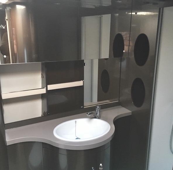 Hobby-660-wfu-premium-washroom.jpg