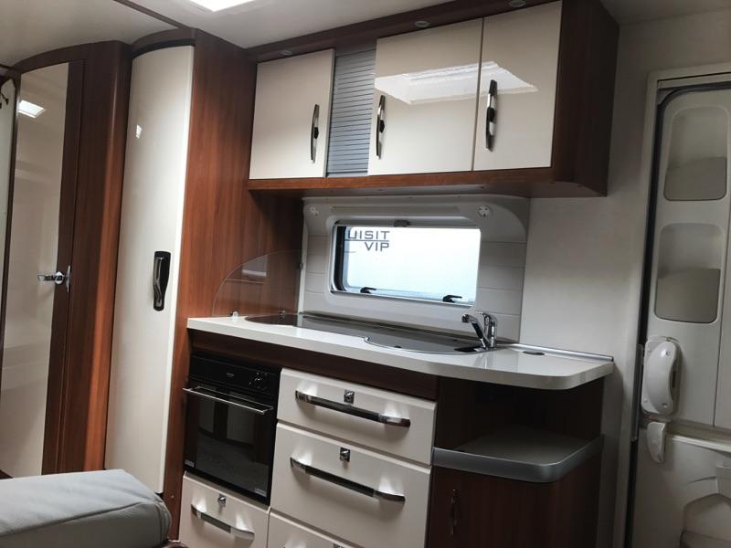 Hobby-690-2016-kitchen.jpg