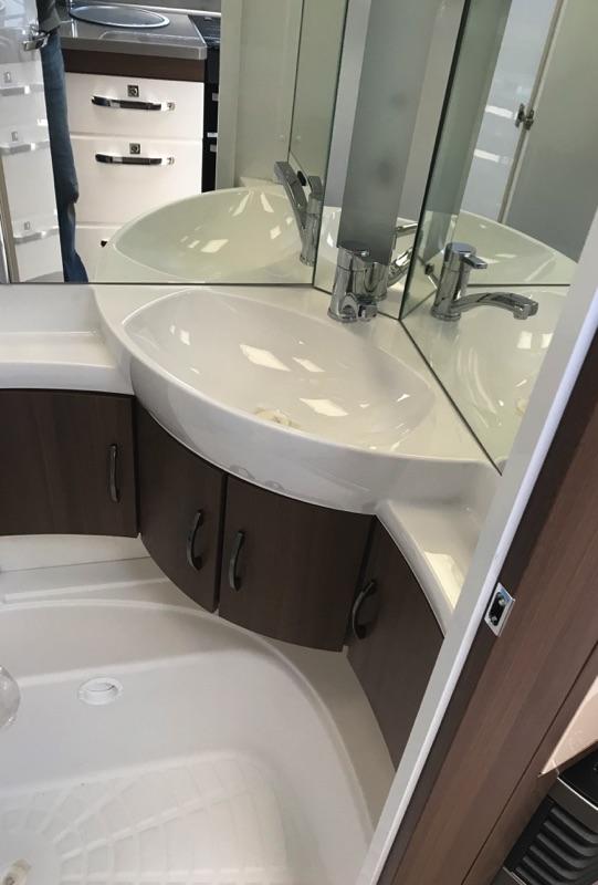 hobby_620_cl_2019_washroom.jpg